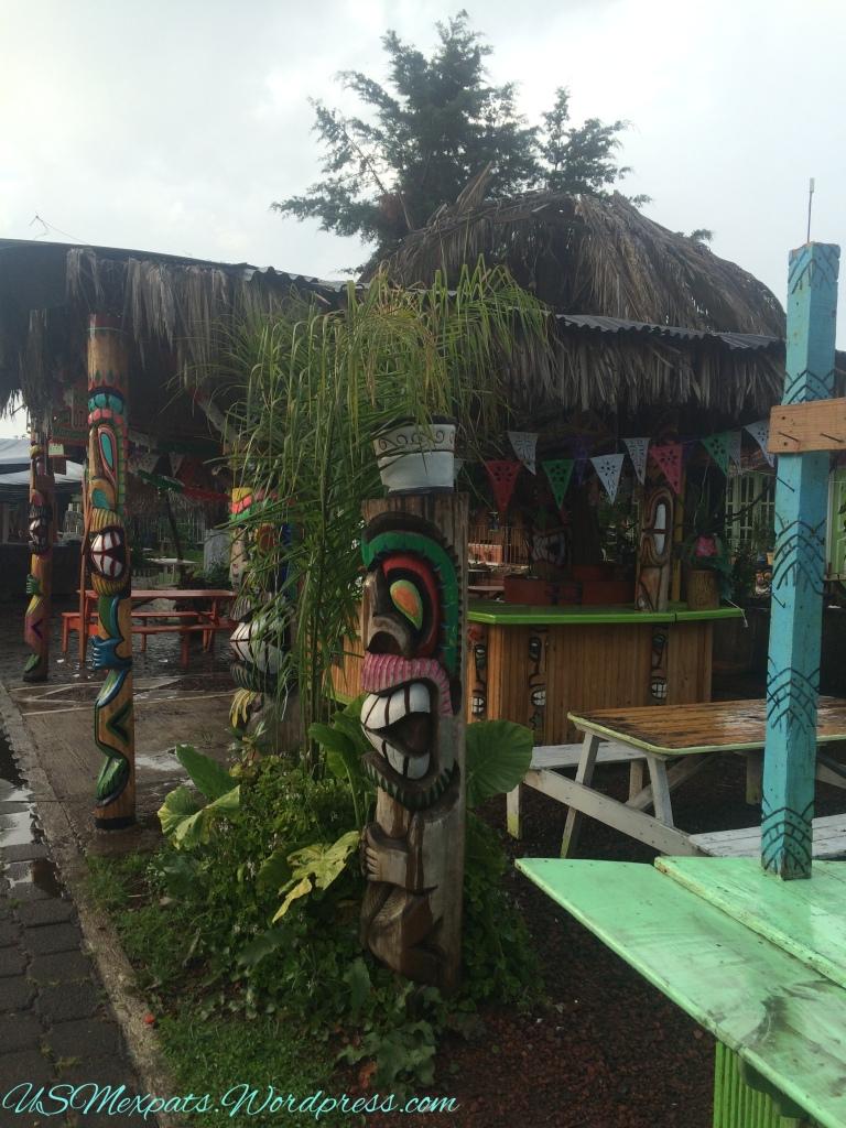 Patzcuaro-monument-park-totem-usmexpats.wordpress.com