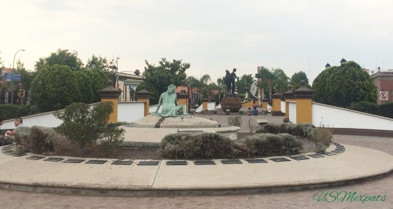 San Luis Potosi Plaza del Milenio lady Statue USMexpats